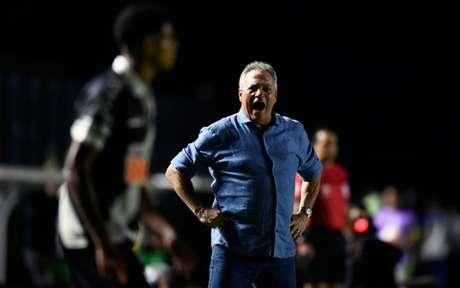 Vasco teve dez dias de intervalo entre a partida da Sul-Americana e da Taça Rio (Foto: MAURO PIMENTEL / AFP)