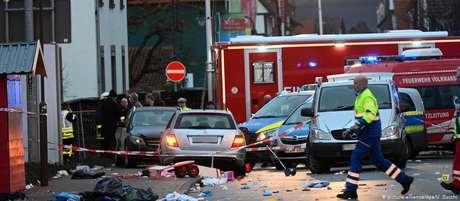Carro prateado causador do incidente: segundo testemunhas, motorista parecia querer atingir crianças