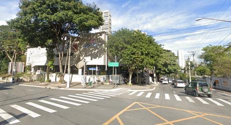 Rua Henrique Schaumann, em Pinheiros