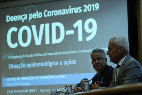 Secretário de Vigilância em Saúde, Wanderson Kleber de Oliveira, e o secretário-executivo do Ministério da Saúde, João Gabbardo dos Reis, divulgam dados atualizados sobre a situação do novo Coronavírus no país.