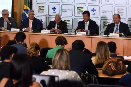 Ministério da Saúde se pronuncia após confirmação de primeiro caso do novo coronavírus no Brasil.