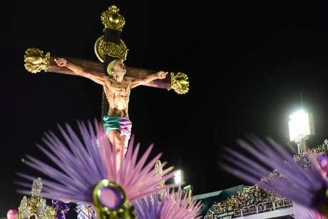 Mangueira levou várias versões de Jesus Cristo à avenida