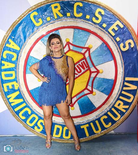 Tânia Oliveira desfilou pela Tucuruvi