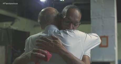 O momento no qual Dr. Drauzio se compadece de Susy de Oliveira, a detenta esquecida por parentes e amigos