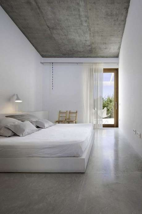 15. Deixe seu quarto ainda mais agradável com o porcelanato cinza – Via: Moda de Casa