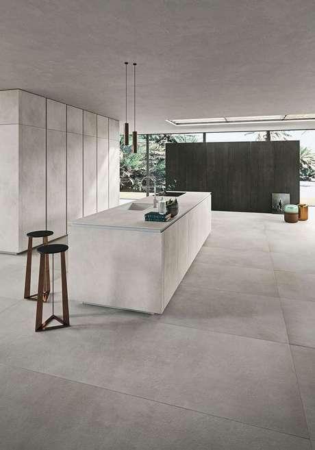 4. Porcelanato cinza claro na cozinha moderna – Via: Decoist