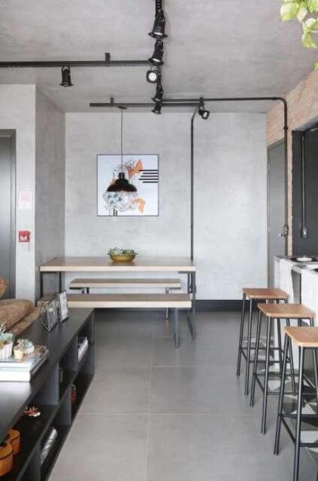 47. Porcelanato cinza na sala – Via: Pinterest