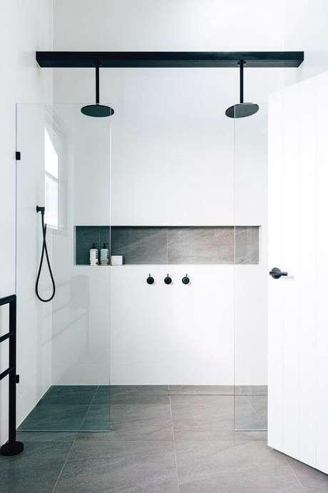 49. Cuidado ao escolher o porcelanato do banheiro. Prefira os pisos foscos e antiderrapantes – Via: Pinterest