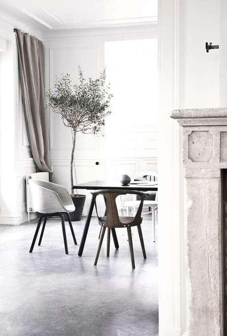 69. Que tal ter uma sala de jantar ainda mais bonita com porcelanatos cinza- Via: Pinterest