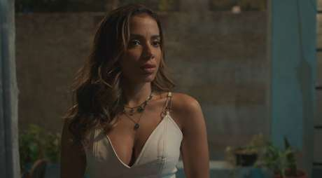 Anitta interpretou uma típica garota fútil interessada apenas em fama fácil