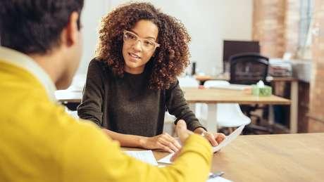 Questionar sobre signos em entrevistas de emprego pode ser considerado ilegal, esclareceu um advogado