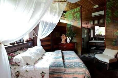 32. Outra alternativa de cortinas para a cama de casal da casa de praia. Projeto por Perlla et Jr Decor.