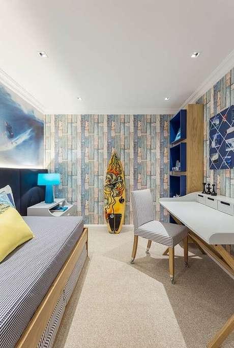 46. Decoração de quarto com prancha de surf. Fonte: Ideias Decor