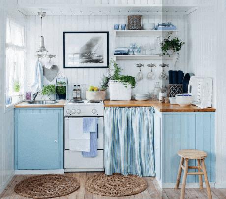10. Traga tons de azul para o ambiente da cozinha da casa de praia. Fonte: Pinterest