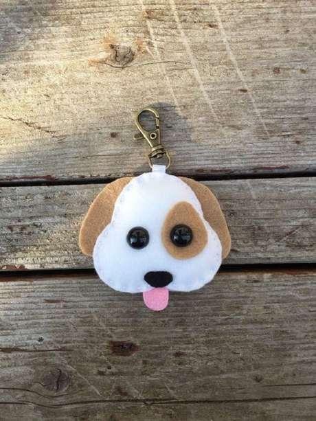 30. Chaveiro de feltro fofo de cachorro. Fonte: Pinterest