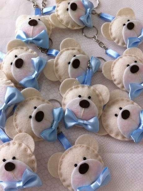 53. O chaveiro em feltro de ursinhos encanta todos os convidados. Fonte: Pinterest