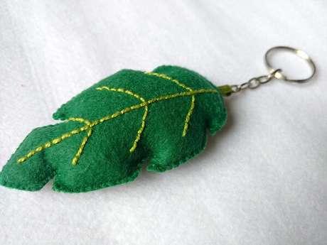 6. O chaveiro de feltro em formato de folha é delicado e fofo. Fonte: Elo7