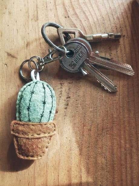 60. O molho de chaves fica ainda mais personalizado com a presença do chaveiro em feltro. Fonte: Pinterest