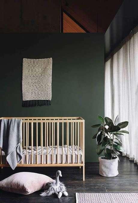 43. Quarto de bebê verde escuro – Via: Pinterest