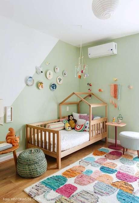 18. Quarto menino verde infantil com detalhes coloridos e lindos – Via: Histórias de casa