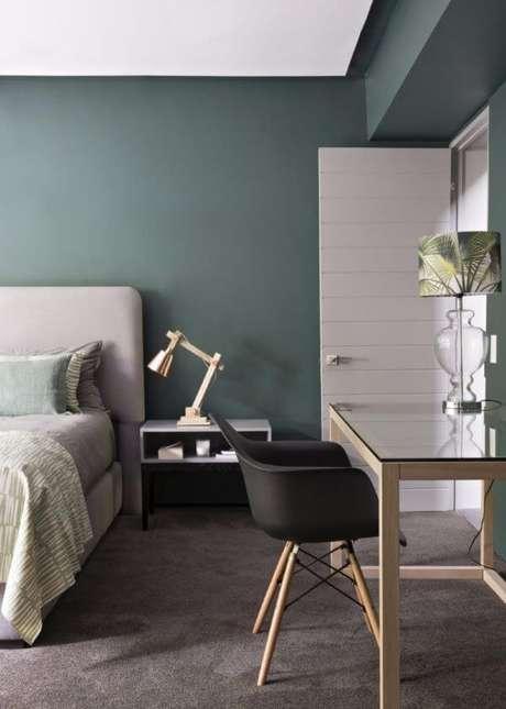 23. Quarto verde e moderno – Via: Master Bedroom Ideas