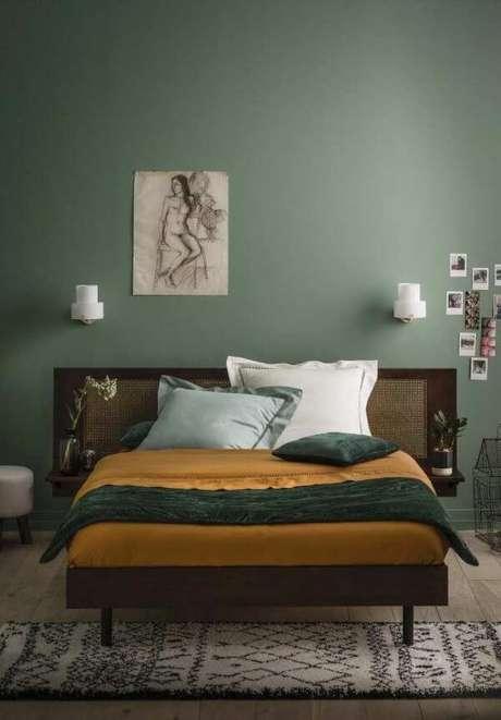 6. Quarto verde musgo para um ambiente de casal – Via: Pinterest
