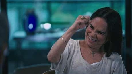 """A atriz-secretária brincou de virar Viúva Porcina no governo: """"Tô certa ou tô errada?"""""""