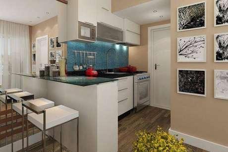 29. Banquetas para cozinha de cores claras deixam o ambiente mais clean