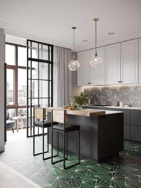64. Banquetas com misturas de materiais podem trazer um ar sofisticado a sua cozinha