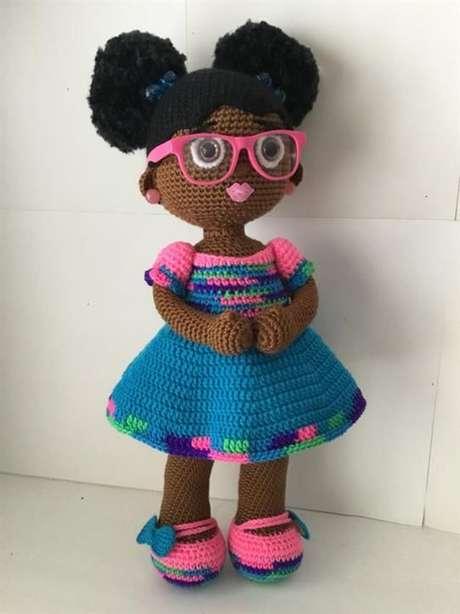 39. Muitas crianças adorariam ganhar uma boneca de amigurumi de presente. Foto: Artesanato Passo a Passo