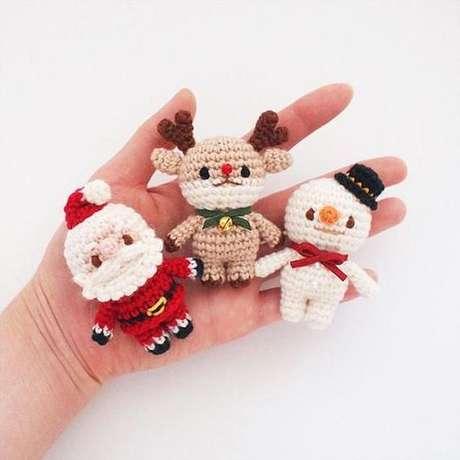 41. Sua decoração de Natal pode ser feita com amigurumi. Foto: Pinterest