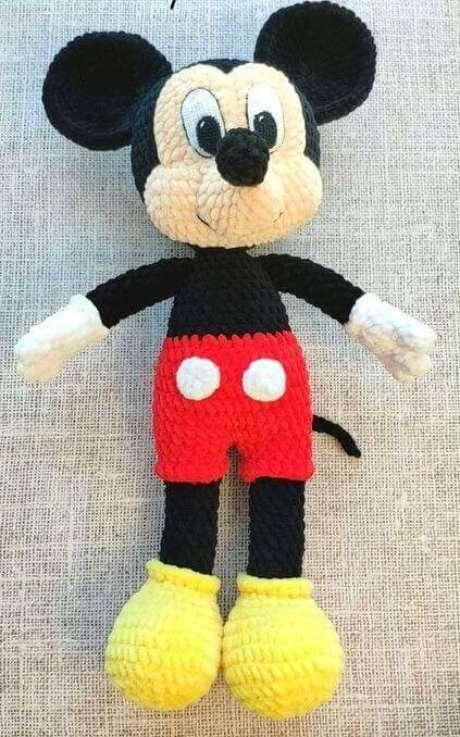 76. Até um Mickey pode ser feito de amigurumi. Foto: Shoe Brand