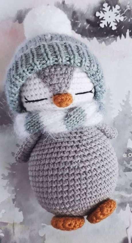 78. Este lindo pinguim brinca com o amigurumi em toda sua estrutura. Foto: World Celebrities