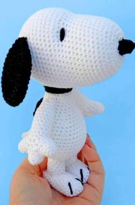 87. O Snoopy de amigurumi é um dos modelos mais tradicionais. Foto: Amigurumi Forum