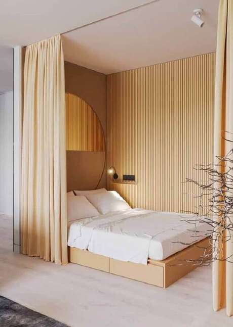 16. Decoração minimalista para quarto amarelo claro – Foto: Pinterest