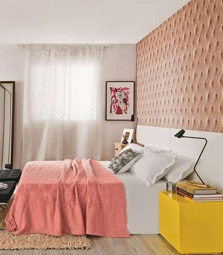 22. A cabeceira personalizada fez toda a diferença na decoração do quarto de menina amarelo – Foto: Marques Arq & Design