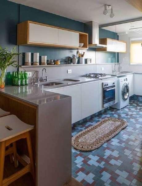 44. Decoração simples para cozinha com lavanderia integrada – Foto: Pinterest