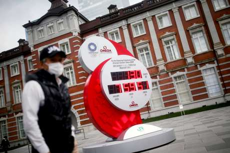Relógio com contagem regressiva para os Jogos de 2020 em Tóquio 16/03/2020 REUTERS/Edgard Garrido