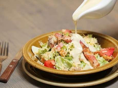 Salada simples com molho