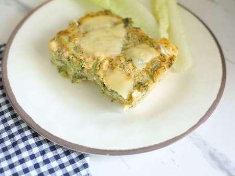 Torta lowcarb de frango e brócolis