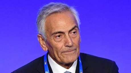Gravina não acredita em uma volta das competições no início de abril (AFP)