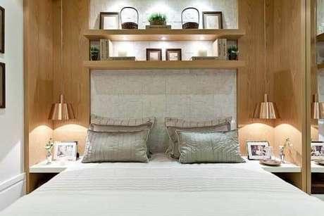 9. A cabeceira da cama pode ser feita com cerâmica. Fonte: Pinterest