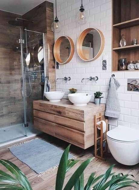 50. Decoração hygge para banheiro com detalhes em madeira – Foto: The Nate Show