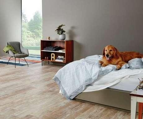 38. Modelo de cerâmica para quarto que se assemelha a madeira. Fonte: Pinterest