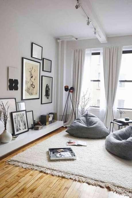 62. Decoração de sala cinza e branca com estilo hygge – Foto: Trend4Homy