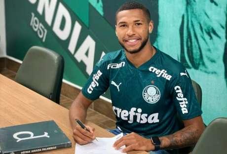 O atacante Wesley assinou um novo contrato com o Palmeiras, agora com duração até o final de 2024 (Divulgação)