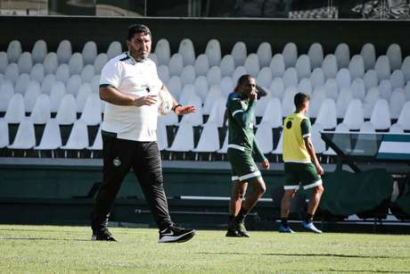 Barroca atualmente dirige o Coritiba (Foto: Reprodução/CFC)