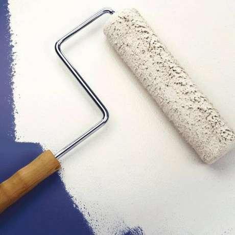 10. Paredes de gesso seguem os mesmos passos de uma parede de concreto – Foto: Casa Um Como