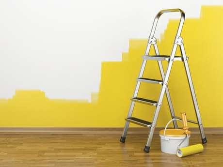 6. A primeira mão de tinta também é um passo importante de como pintar parede – Foto: O pintor consultoria