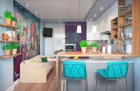 88. Decoração com banquetas azul Tiffany para cozinha americana pequena – Foto: Pinterest